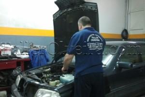Revisiones periódicas de los líquidos del vehículo